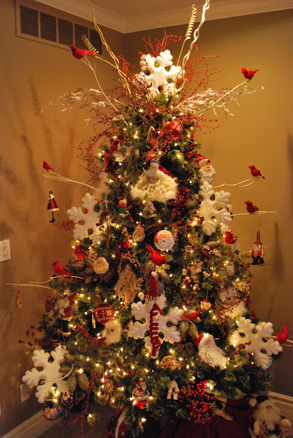 11 3 christmas tree with red and white theme for Red and white christmas tree theme
